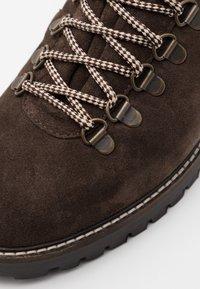 Walk London - SEAN LOW HIKER - Bottines à lacets - brown - 5