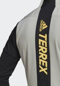 adidas Performance - TERREX AGRAVIC XC - Waistcoat - grey - 9
