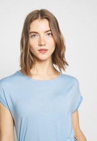 Vero Moda - T-shirt basic - placid blue - 4