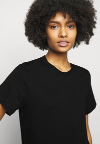 House of Dagmar - CLAUDIA - T-shirt basic - black - 3