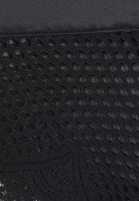 Hunkemöller - BONNIE BRASILIAN - Kalhotky - caviar - 5