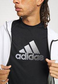 adidas Performance - Print T-shirt - black/gresix - 3