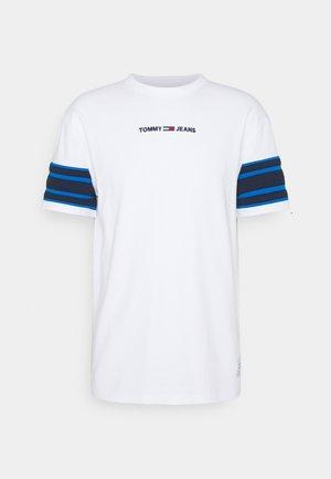 CONTRAST SLEEVE DETAIL TEE - T-shirt imprimé - white