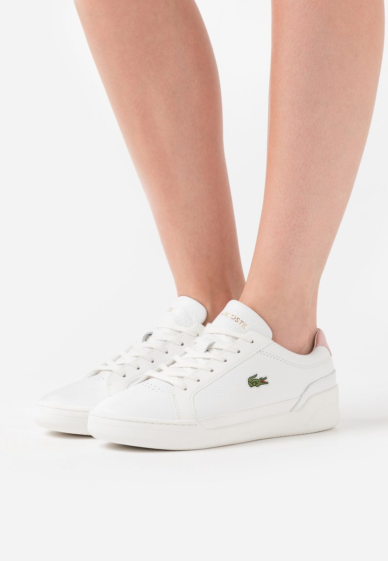 Lacoste - CHALLENGE  - Trainers - white/light pink