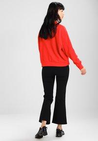 Weekday - HUGE CROPPED - Sweatshirt - red - 2