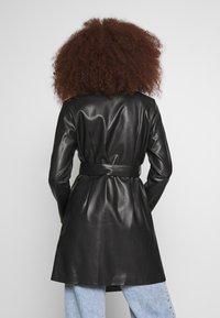 Gina Tricot - VAL BLAZER DRESS - Košilové šaty - black - 2