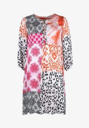 ORNAMENTS PATCH - Day dress - orange/pink/black