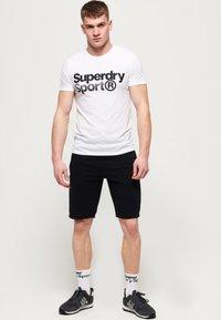 Superdry - MIT GRAFIK - T-shirts print - white - 1
