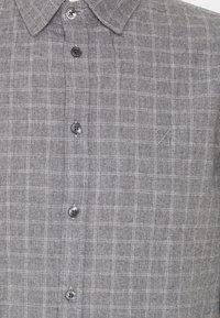 Casual Friday - ANTON - Shirt - light grey melange - 2
