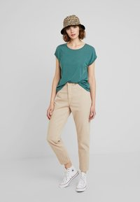 Vero Moda - VMAVA PLAIN - T-shirt basic - north atlantic - 1