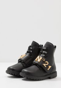 N°21 - Lace-up boots - black/gold - 3