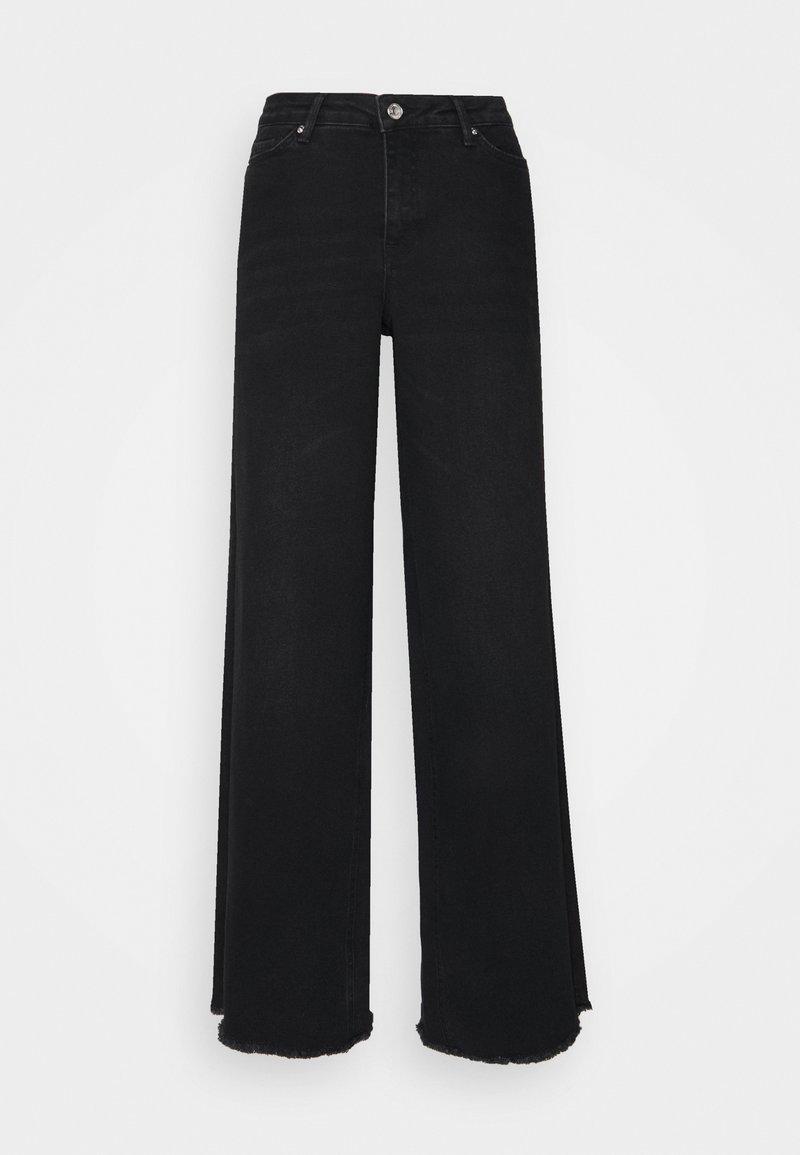 Vero Moda Curve - VMALISIA WIDE - Flared jeans - black denim