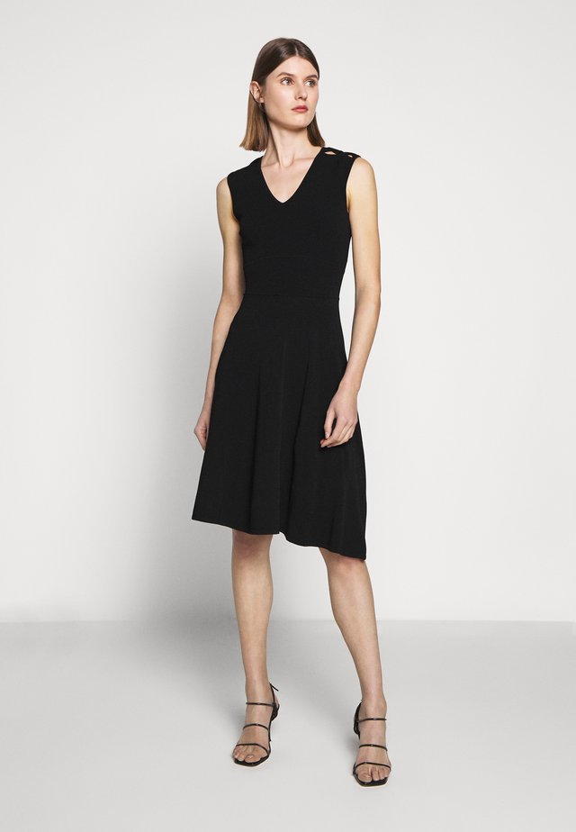PEEK A BOO SHOULDER DRESS - Vestito di maglina - black
