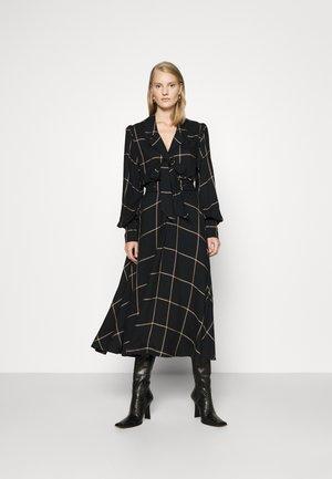 PLEATED COLLAR DRESS - Shirt dress - isaac/black