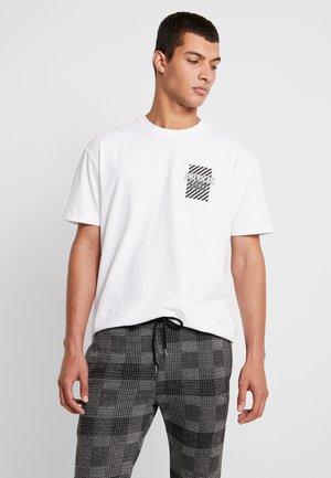 IN TEE - T-shirt med print - new white