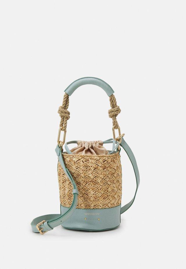 HOLLY MINI SEAU - Handtasche - vert d'eau