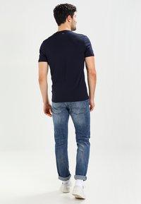 Napapijri - SENOS V - T-shirt basic - blu marine - 2