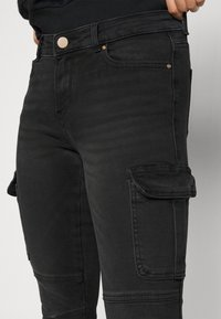 ONLY Petite - ONLMISSOURI LIFE - Jeans Skinny Fit - black denim - 4