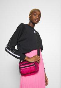 Nike Sportswear - AIR - Sweatshirt - black - 4
