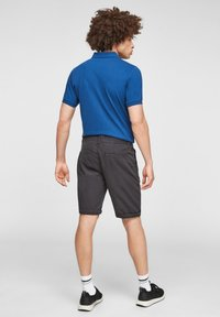 QS by s.Oliver - Shorts - dark grey - 2