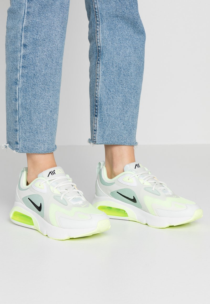 Nike Sportswear - AIR MAX 200 - Trainers - pistachio frost/black/spruce aura/summit white/barely volt