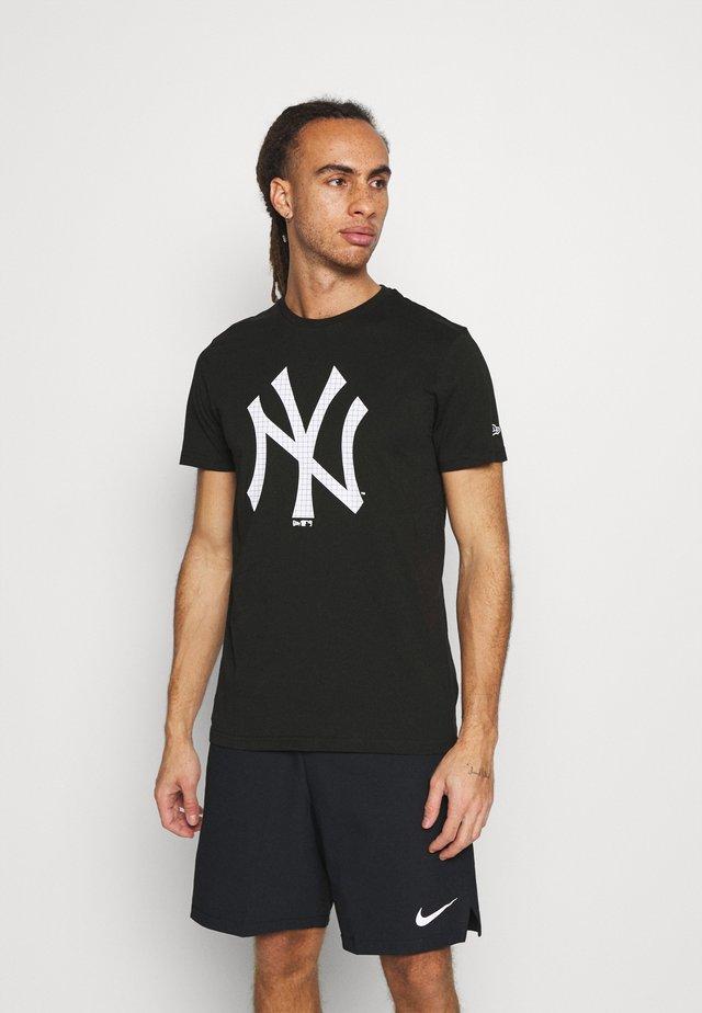 NEW YORK YANKEES MLB INFILL TEAM LOGO TEE - Squadra - black/white