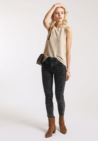 Pimkie - PUSH UP - Jeans Skinny Fit - anthracite/gray - 1