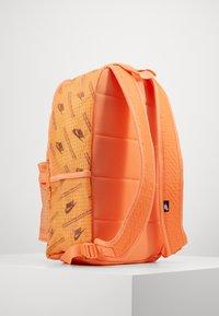 Nike Sportswear - HERITAGE  - Rucksack - orange frost/melon tint/white - 1