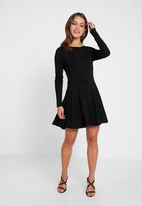 Missguided Petite - LONG SLEVE SCOOP BACK SKATER DRESS 2 PACK - Jersey dress - black/nude/white - 0