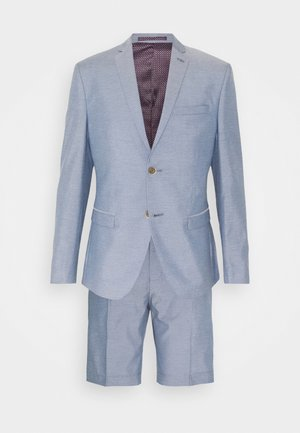 Traje - light blue