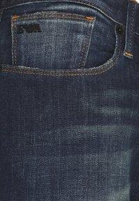 Emporio Armani - Slim fit -farkut - blue denim - 6