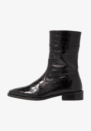 OPAL MID BOOT - Vysoká obuv - black