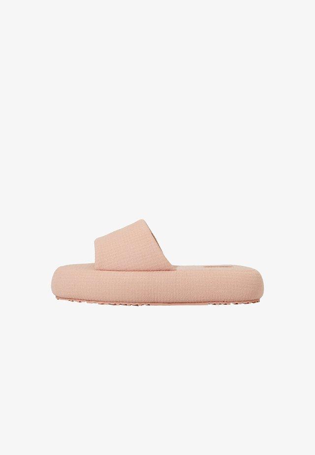 Kapcie - pink