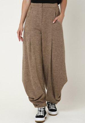 AZZERA - Trousers - dunkel-beige