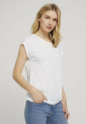 MIT KNOTENDETAIL - Print T-shirt - offwhite paisley design