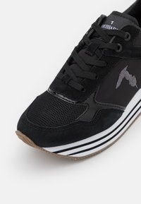 Trussardi - CELTIK MIX - Sneakersy niskie - gunmetal - 6
