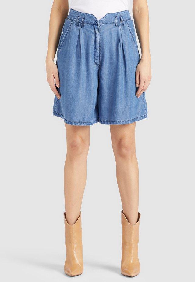 FENU - Shorts di jeans - denim blue