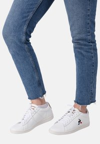 le coq sportif - COURTSET - Sneakersy niskie - white - 0