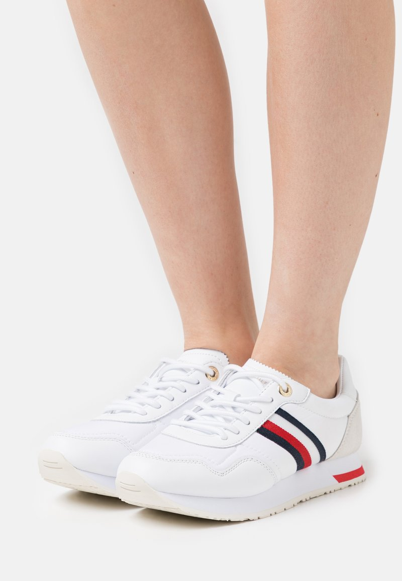 Tommy Hilfiger - CASUAL CITY RUNNER - Tenisky - white