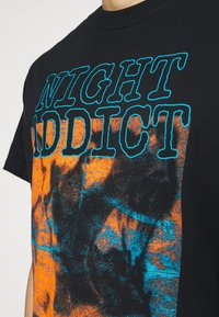 Night Addict - INCOMP - Print T-shirt - black - 5