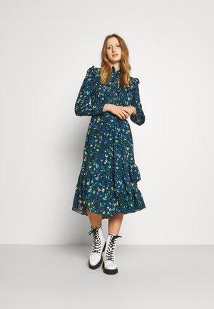 RUFFLE PRINT DRESS - Freizeitkleid - blue