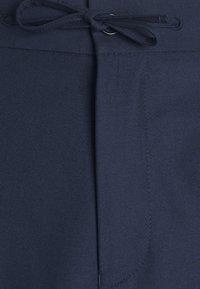 Isaac Dewhirst - HARRINGTON JACKET DRAWCORD TROUSERS SET - Summer jacket - dark blue - 8