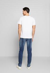 INDICODE JEANS - TONY - Jeans slim fit - mid indigo - 2