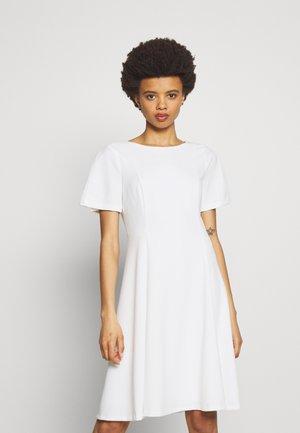 Denní šaty - cream
