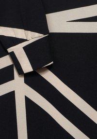 Street One - MIT GRAFIK-PRINT - Long sleeved top - schwarz - 3