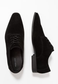 Pier One - Zapatos con cordones - black - 1