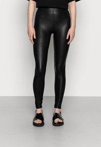 Even&Odd - Wet Look Leggings - Legginsy - black - 0