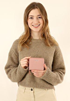 HENRIETTA - Portfel - pink