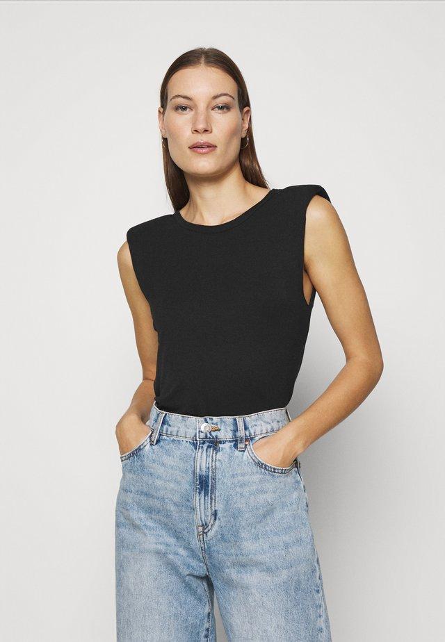 PADDED SHOULDER TEE - T-shirt basique - black