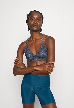 CROSS BETA BRA - Light support sports bra - smolder blue